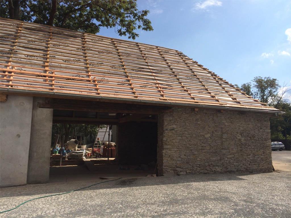 Stodola Herink - rekonstrukce pivnice - oprava střechy