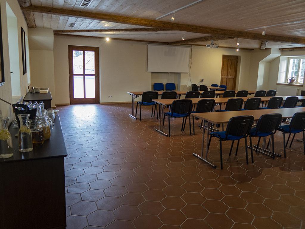 Konferenční_místnost__0000_IMG_4717